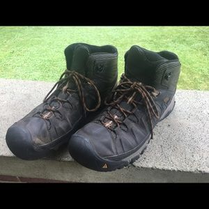 KEEN Mens Boot size 14